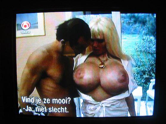 [img]http://www.tv-willemijn.nl/wp-content/lolaferrari.jpg[/img]